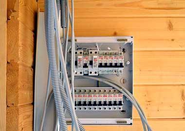 монтаж электропроводки в частном доме недорого